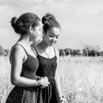 Sisters 1 portretserie portretfotograaf zwart-wit foto